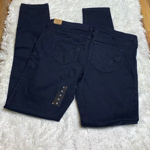 NWT The Hollister Super Skinny Navy Pants/Jeans 31